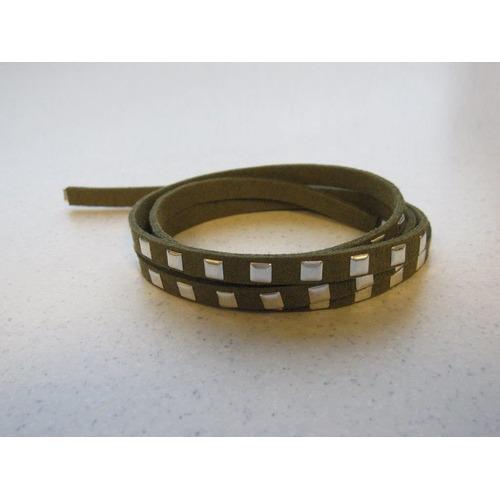 Band imitatie suède met studs 7mm olijf groen 1m 12318-1823