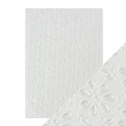 Tonic Studios embossed papier - english lace 9801E Handmade