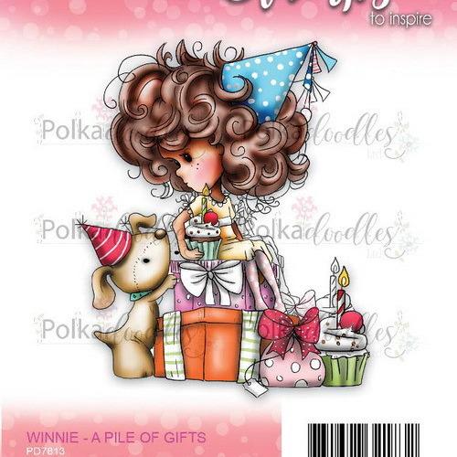 Polkadoodles stamp Winnie - Pile of gifts